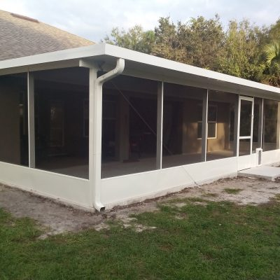 Insulated Roof w/ Pet Door